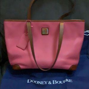 Dooney & Bourke Bags - Dooney & Bourke purse